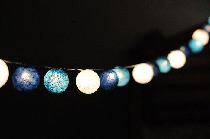 Światło na balkonie