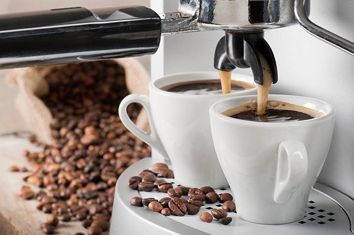 Czy warto odkamieniać ekspres do kawy?