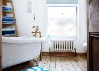 Styl łazienki a jej akcesoria sanitarne