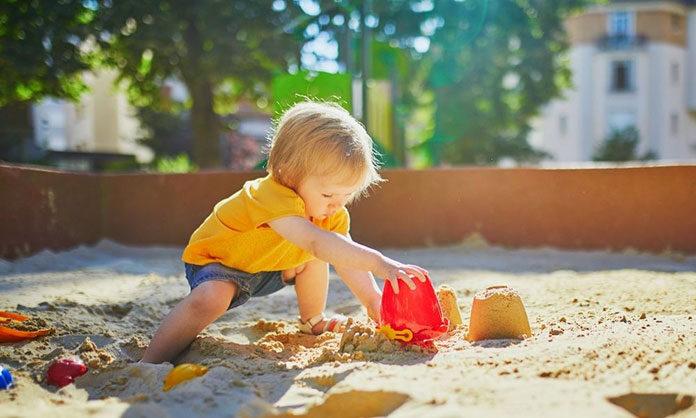 Dlaczego drewniany plac zabaw z piaskownicą jest tak popularny